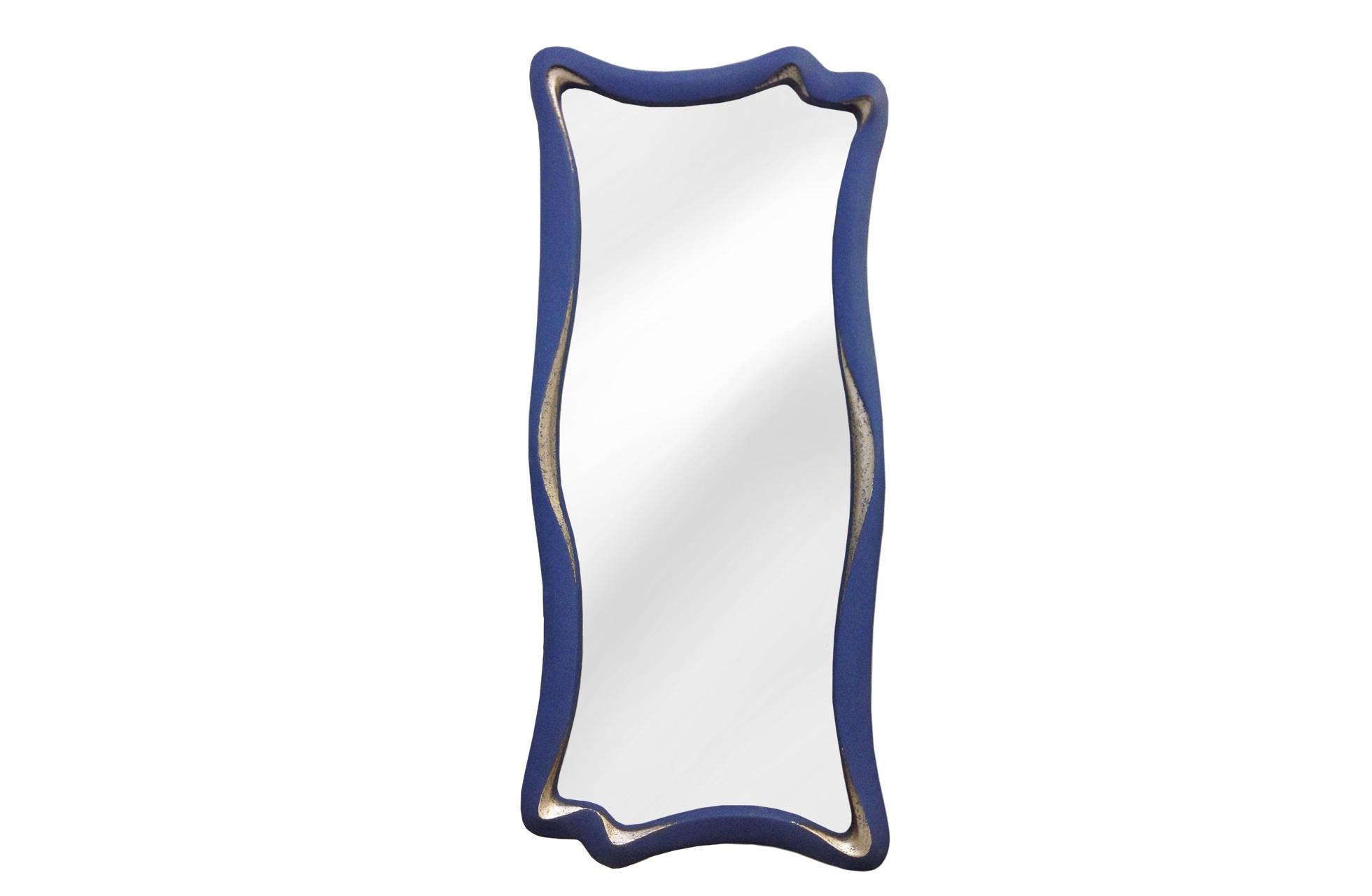 Зеркало МАРЭНастенные зеркала<br>&amp;lt;div&amp;gt;Необычное зеркало для смелого современного интерьера. Есть в нем что-то сюрреалистичное, текучее в духе Сальвадора Дали. Но особенно впечатляют цвет и фактура: синяя краска нанесена напылением и напоминает замшу, а серебряная ? шероховато, небрежными мазками. Рама изготовлена из современного композитного материала, очень твердого и прочного, как нельзя лучше подходящего для интересных дизанерских задумок.&amp;lt;/div&amp;gt;&amp;lt;div&amp;gt;&amp;lt;br&amp;gt;&amp;lt;/div&amp;gt;&amp;lt;div&amp;gt;Цвет:&amp;amp;nbsp;Синий ,Серебро - Замша&amp;lt;/div&amp;gt;<br><br>Material: Полиуретан<br>Length см: None<br>Width см: 53<br>Depth см: 4<br>Height см: 120