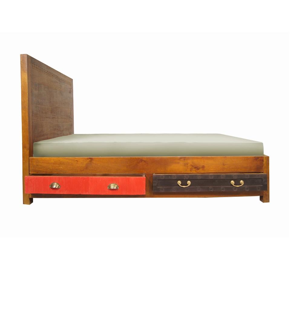 Кровать Gouache mangoДеревянные кровати<br>&amp;quot;Gouache Mango&amp;quot; ? кровать, главным лейтмотивом оформления которой выступает нарочитая простота. Аскетичная, небрежная отделка мангового дерева добавляет ее рустикальному дизайну особый шарм. Ярким акцентом массивного каркаса выступают лишь колоритные ящики. Они не только наделяют кровать функциональностью, но и позволяют ее облику источать тепло домашнего уюта.&amp;amp;nbsp;&amp;lt;div&amp;gt;&amp;lt;br&amp;gt;&amp;lt;/div&amp;gt;&amp;lt;div&amp;gt;Кровать без основания.&amp;lt;/div&amp;gt;&amp;lt;div&amp;gt;Матрасы не входят в стоимость.&amp;lt;/div&amp;gt;<br><br>Material: Дерево<br>Width см: 127<br>Depth см: 200<br>Height см: 120