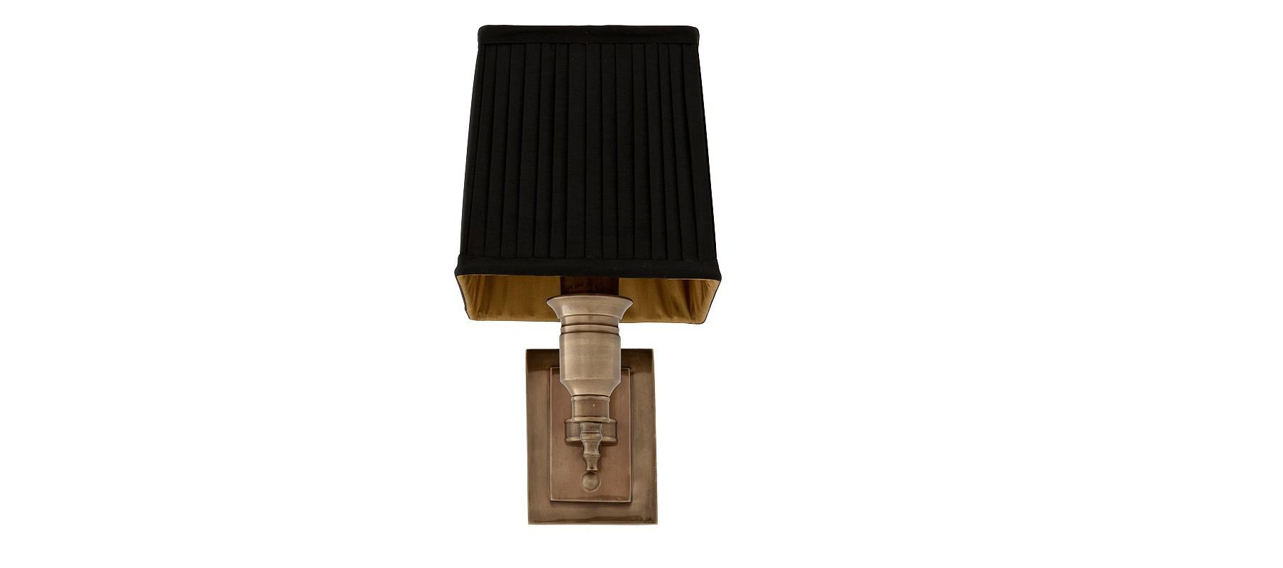 Бра Lexington SingleБра<br>&amp;lt;div&amp;gt;Этот светильник выполнен в лучших традициях английского стиля. Элегантный черный абажур из плиссированной ткани - главное украшение бра. Классические формы в сочетании с латунным основанием из металла создают строгий образ. Lexington Single, как истинный &amp;quot;британец&amp;quot;, консервативен и благороден. Его аристократичный силуэт придаст интерьеру внутреннюю сдержанность.&amp;lt;br&amp;gt;&amp;lt;/div&amp;gt;&amp;lt;div&amp;gt;&amp;lt;br&amp;gt;&amp;lt;/div&amp;gt;&amp;lt;div&amp;gt;Количество лампочек: 1&amp;lt;/div&amp;gt;&amp;lt;div&amp;gt;Мощность: 1&amp;lt;span class=&amp;quot;Apple-tab-span&amp;quot; style=&amp;quot;white-space:pre&amp;quot;&amp;gt;&amp;lt;/span&amp;gt;x 40 Вт&amp;lt;/div&amp;gt;&amp;lt;div&amp;gt;Тип лампы: НАКАЛИВАНИЯ, E14&amp;lt;/div&amp;gt;<br><br>Material: Металл<br>Width см: 27<br>Depth см: 14<br>Height см: 22