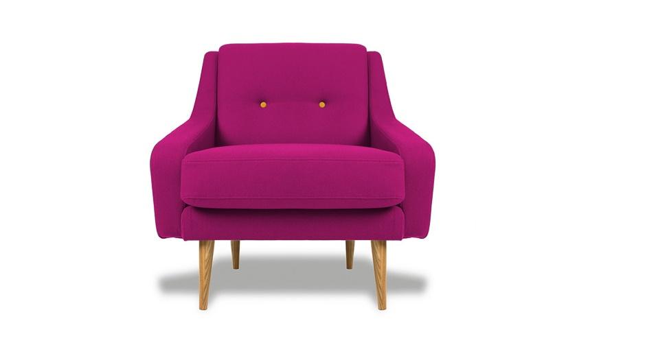 Кресло Одри PINKИнтерьерные кресла<br>&amp;lt;div&amp;gt;Кресло в стиле 60-х годов прошлого века ? это нечто особое. Не в пример &amp;quot;дискотечным&amp;quot; 70-м и 80-м, тогда больше использовали натуральные материалы, а яркие цвета были естественнее. Обивка для этого кресла изготовлена из прочной ткани насыщенного лилового оттенка, а каркас и ножки вытесаны из древесины дуба. В качестве мягкого наполнителя ? полиуретан. Подушка-сиденье высотой 42 см съемная, чехол легко чистится. Спинка декорирована пуговицами-капитоне.&amp;lt;/div&amp;gt;<br><br>Material: Текстиль<br>Ширина см: 85<br>Высота см: 85<br>Глубина см: 85