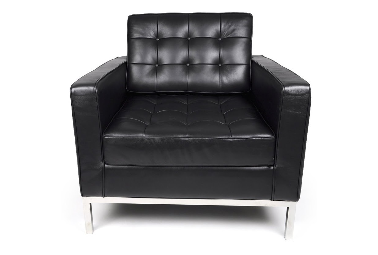 Кресло Knoll ЧерныйКожаные кресла<br>Дизайн этого кресла будоражит умы поклонников минимализма уже более полувека. Выверенные пропорции и гармоничное сочетание материалов отделки с 1954 года покоряют своим совершенством. Четкость строгого силуэта особенно ярко проявляется благодаря черной коже, украшенной геометричной мебельной стяжкой. Основание из полированного до блеска металла служит деталью, которая придает сдержанному облику роскошный вид.&amp;lt;div&amp;gt;&amp;lt;br&amp;gt;&amp;lt;/div&amp;gt;&amp;lt;div&amp;gt;Данная модель кресла Knoll изготовлена из кожи коллекции Rome, произведенной в Италии. Вы можете выбрать один из 11 насыщенных и благородных оттенков.&amp;lt;/div&amp;gt;&amp;lt;div&amp;gt;Срок изготовления: 20-25 рабочих дней после оплаты заказа.&amp;amp;nbsp;&amp;lt;/div&amp;gt;<br><br>Material: Кожа<br>Width см: 83<br>Depth см: 80<br>Height см: 80