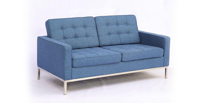 Диван двухместный KnollДвухместные диваны<br>Геометрия квадрата, на основе которой еще в 1954 году был создан диван &amp;quot;Knoll&amp;quot;, в его оформлении не выглядит чересчур строгой или брутальной. В отделке текстилем нежного голубого оттенка она обретает мягкость. Отсутствие острых углов в пропорциях сиденья добавляет облику дивана гармонию. Контрастом для такого дизайна от Флоренс Нолл выступают металлические ножки.&amp;amp;nbsp;&amp;lt;div&amp;gt;&amp;lt;br&amp;gt;&amp;lt;/div&amp;gt;&amp;lt;div&amp;gt;Для изготовления дивана используется высококачественная, износостойкая ткань коллекций Paris и Furor. Вы можете выбрать из 28 благородных оттенков.<br>Ткань характеризуется высокой прочностью, устойчивостью к химическому и световому воздействиям, не линяет, не скатывается и не впитывает жидкость.&amp;lt;/div&amp;gt;&amp;lt;div&amp;gt;Срок изготовления: 20-25 рабочих дней после оплаты заказа.&amp;lt;/div&amp;gt;<br><br>Material: Текстиль<br>Width см: 143<br>Depth см: 80<br>Height см: 80
