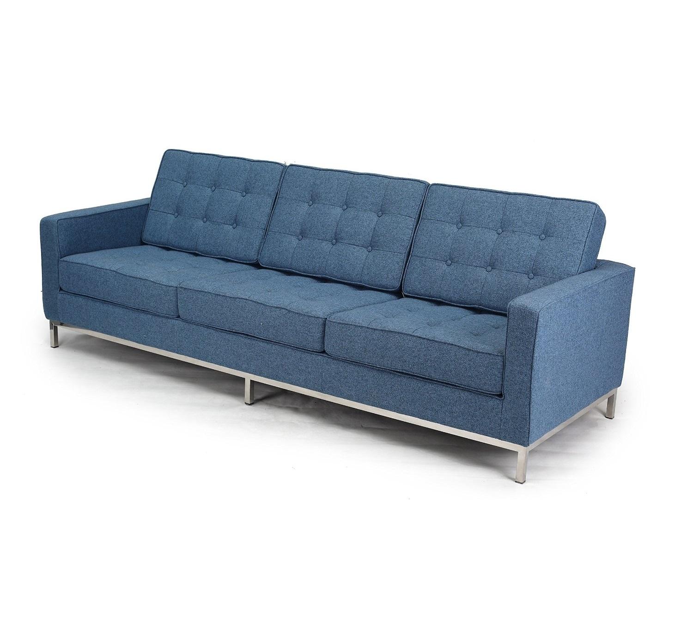 Диван трехместный KnollТрехместные диваны<br>Обманчиво простой облик дивана &amp;quot;Knoll&amp;quot; скрывает в себе тщательную и кропотливую работу над каждой деталью. Идеально выверенные пропорции, скромная отделка и гармоничное сочетание материалов ? над всем этим изрядно потрудилась Флоренс Нолл в 1954 году. Ей удалось создать нарочито аскетичный образ, который не утратит своей актуальности никогда. Этот диван, обитый ярко-красной тканью, просто создан для сдержанных промышленных, современных или минималистичных интерьеров, нуждающихся в эффектных акцентах.&amp;lt;div&amp;gt;&amp;lt;br&amp;gt;&amp;lt;/div&amp;gt;&amp;lt;div&amp;gt;Для изготовления дивана Knoll &amp;amp;nbsp;используется высококачественная, износостойкая ткань коллекций Paris и Furor. Вы можете выбрать из 28 благородных оттенков.<br>Ткань характеризуется высокой прочностью, устойчивостью к химическому и световому воздействиям, не линяет, не скатывается и не впитывает жидкость.&amp;lt;/div&amp;gt;&amp;lt;div&amp;gt;&amp;lt;span style=&amp;quot;line-height: 1.78571;&amp;quot;&amp;gt;Срок изготовления: 20-25 рабочих дней после оплаты заказа.&amp;lt;/span&amp;gt;&amp;lt;br&amp;gt;&amp;lt;/div&amp;gt;<br><br>Material: Текстиль<br>Width см: 204<br>Depth см: 80<br>Height см: 80