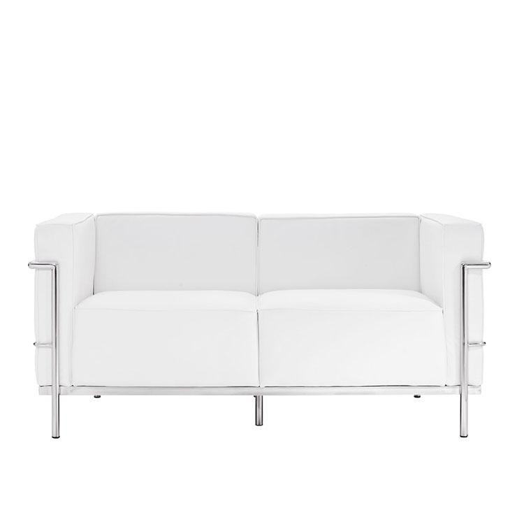 Диван двухместный Le Corbusier глубина 84см БелыйКожаные диваны<br>&amp;lt;div&amp;gt;&amp;lt;div&amp;gt;&amp;lt;span style=&amp;quot;line-height: 24.9999px;&amp;quot;&amp;gt;Этот диван — легендарная классика от французского дизайнера&amp;amp;nbsp;Ле Корбюзье.&amp;amp;nbsp;&amp;lt;/span&amp;gt;&amp;lt;span style=&amp;quot;line-height: 1.78571;&amp;quot;&amp;gt;Кресло и диваны LC3 спроектированы им совместно с Пьером Жэннере и Шарлоттой Периан в 1928 году и год спустя представлены на Salon d&amp;#39; Automne в Париже. Вдохновлённые архитектурой школы Баухауз, дизайнеры создали серию &amp;amp;nbsp;Grand Confort LC3, призванную привнести идеи архитектуры во внутренний интерьер. Мебель из этой коллекции станет эпицентром любого интерьерного пространства.&amp;lt;/span&amp;gt;&amp;lt;/div&amp;gt;&amp;lt;/div&amp;gt;&amp;lt;br&amp;gt;&amp;lt;div&amp;gt;&amp;lt;span style=&amp;quot;line-height: 1.78571;&amp;quot;&amp;gt;При изготовлении этой модели используется итальянская кожа высшей категории, коллекции Rome.&amp;lt;/span&amp;gt;&amp;lt;/div&amp;gt;<br><br>Material: Кожа<br>Length см: 167<br>Width см: 84<br>Depth см: 84<br>Height см: 73