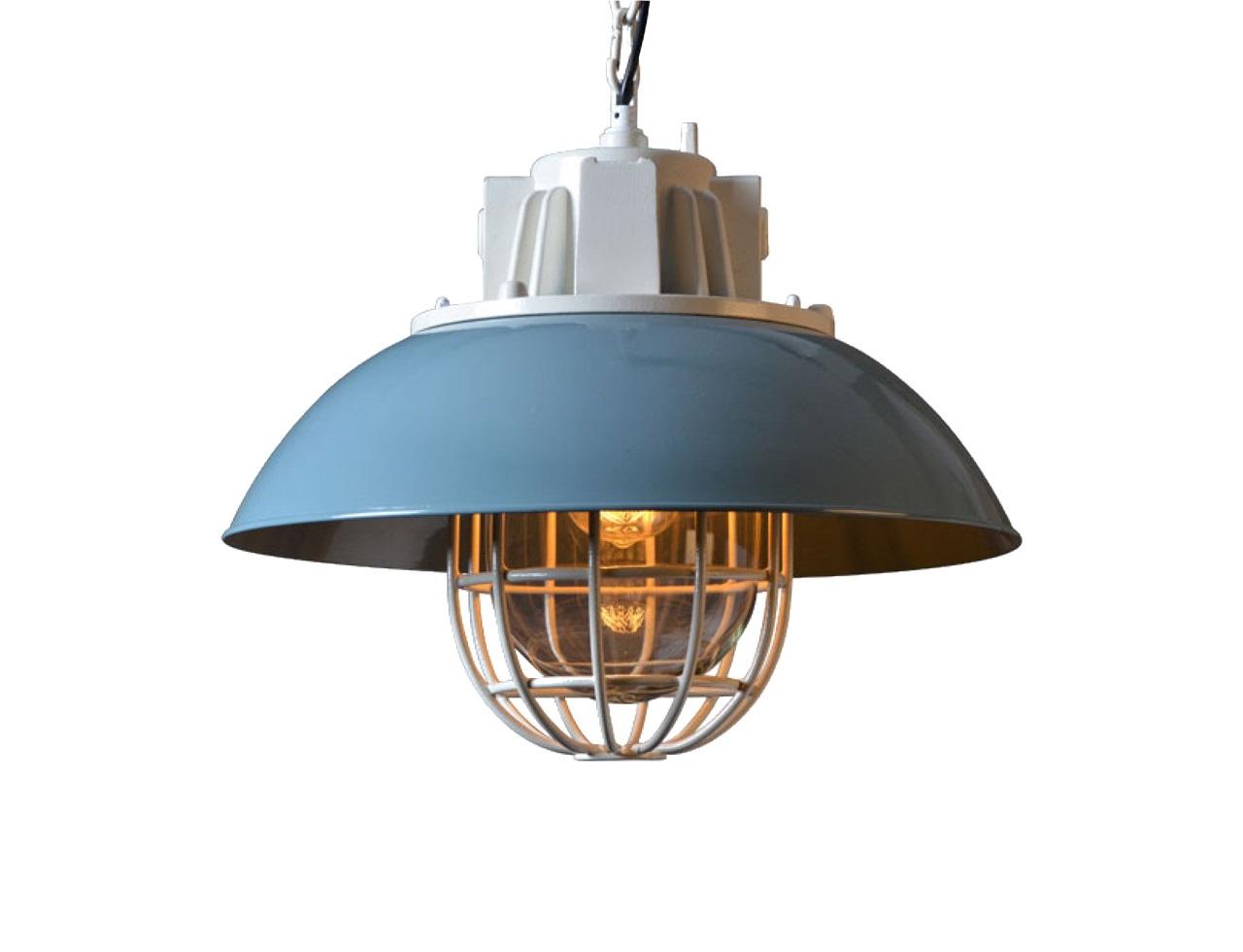 Подвесной светильник Astor ChandelierПодвесные светильники<br>&amp;quot;Astor Chandelier&amp;quot; ? светильник, при взгляде на который рождаются ассоциации с серединой прошлого столетия. В мыслях сразу же возникают образы фабричных помещений, наполненных тусклым светом ретро-фонарей. Удивительная атмосфера, присутствующая в этих образах, может прийти и в ваш дом. Светильник, выполненный из металла голубого цвета и дополненный декоративной решеткой, добавит столовой, холлу или рабочему кабинету очарование лофта, рожденное на стыке брутальности и элегантной сдержанности.&amp;lt;div&amp;gt;&amp;lt;br&amp;gt;&amp;lt;/div&amp;gt;&amp;lt;div&amp;gt;Подвесной светильник выполнен из металла голубого цвета.&amp;lt;/div&amp;gt;&amp;lt;div&amp;gt;Лампа располагается под декоративной решеткой.&amp;lt;/div&amp;gt;&amp;lt;div&amp;gt;Высота светильника регулируется.&amp;lt;/div&amp;gt;&amp;lt;div&amp;gt;Цоколь: E27&amp;lt;/div&amp;gt;&amp;lt;div&amp;gt;Мощность: 40W&amp;lt;/div&amp;gt;&amp;lt;div&amp;gt;Количество ламп: 1&amp;lt;/div&amp;gt;&amp;lt;div&amp;gt;Лампа в комплект не входит&amp;lt;/div&amp;gt;<br><br>Material: Металл<br>Height см: 41<br>Diameter см: 44