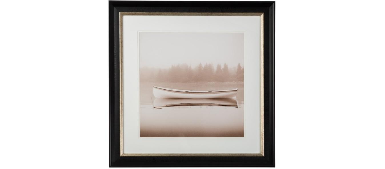 ПостерПостеры<br>Умиротворяющее настроение пейзажа -- тихая вода и замершая на ней лодка, симметричная композиция, усилено теплой цветовой гаммой, в которой напечатана фотография.<br><br>Material: Бумага<br>Width см: 62<br>Depth см: 4<br>Height см: 62