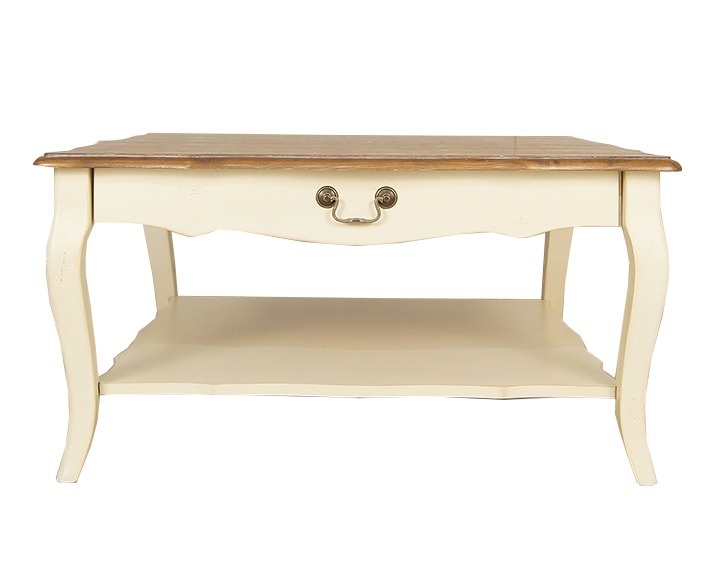 Журнальный стол Blanc bonbonЖурнальные столики<br>Наполните гостиную особенной атмосферой, свойственной для загородного жилья, с великолепным журнальным столом&amp;amp;nbsp;&amp;quot;Blanc Bonbon&amp;quot;. Он декорирован в стиле прованс, который позволяет ему выглядеть изысканно и просто. Изогнутые ножки и резное подстолье кремового белого цвета смотрятся контрастно со столешницей коричневой гаммы.<br><br>Material: Дерево<br>Ширина см: 90<br>Высота см: 46