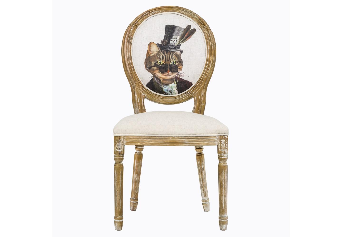 Стул «Мистер Кот Лайт»Обеденные стулья<br>Стулья в стиле шебби-шик – не просто копия замшелой старины. Это особое настроение и абсолютно новая подача привычных вещей. Смелая комбинация ретро и ультрасовременного стиля поп-арт? Почему бы и нет! Каркас этого стула выточен из цельного массива и искусственно состарен. Обивку из мягкой ткани с тефлоновым покрытием не так легко испачкать, а вот почистить – не проблема. На спинке – принт с изображением усатого и полосатого господина в цилиндре. Вес стула равен 7 кг.<br><br>Material: Текстиль<br>Length см: 50<br>Width см: 57<br>Height см: 98