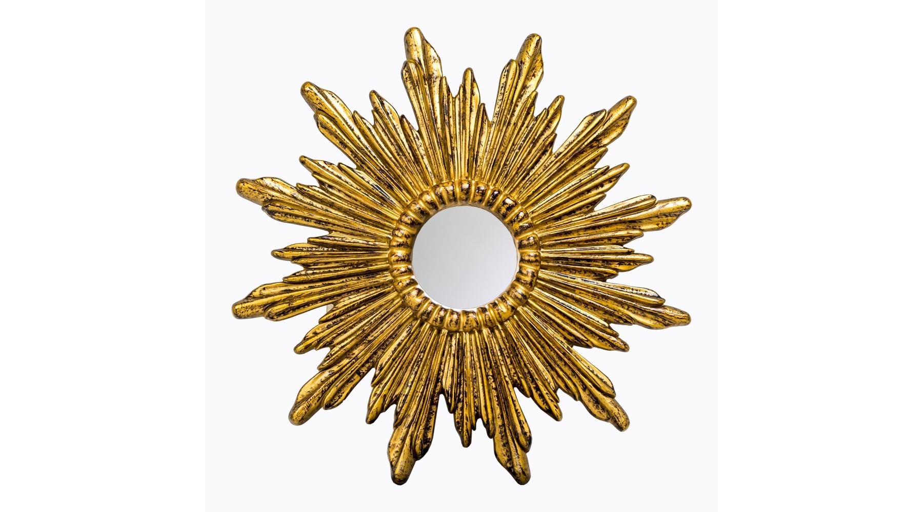 Настенное зеркало «Аврора»Настенные зеркала<br>Это настенное зеркало будет особенно гармонично смотреться в окружении мебели в богемном стиле ар-деко или эклектика. Идея солнечного диска, окрашенного в цвет старого золота с чернением, эффектна и свежа. Рама изготовлена из мебельного полиуретана, материала достаточно легкого и практичного, долговечного и невероятно прочного. Зеркало покрыто слоем серебряной амальгамы, а по периметру опоясано фацетом. Толстое стекло очень точно, без малейших искажений отражает предметы и объекты. Размер изделия: 74,5?74,5?4 см. Вес: 2,5 кг.<br><br>Material: Полиуретан<br>Width см: None<br>Depth см: 4<br>Height см: None<br>Diameter см: 74,5
