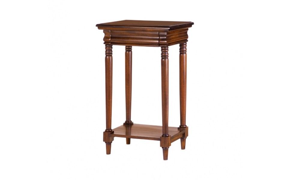 СтоликПриставные столики<br>В элегантной гостиной, у мягкого дивана &amp;quot;Честерфилд&amp;quot; столик от Satin Furniture будет выглядеть очень гармонично. Он прекрасно впишется в традиционное английское оформление, обогатив его роскошью строгих форм. Предмет мебели, в котором видна кропотливая ручная работа над каждой деталью, поделится своим аристократизмом с окружающим пространством. Красное дерево наделит классический стиль пространства особенным уютом.&amp;lt;div&amp;gt;&amp;lt;br&amp;gt;&amp;lt;/div&amp;gt;&amp;lt;div&amp;gt;Выполнено из массива красного дерева. Ручная работа.&amp;lt;/div&amp;gt;<br><br>Material: Красное дерево<br>Ширина см: 55<br>Высота см: 90<br>Глубина см: 38
