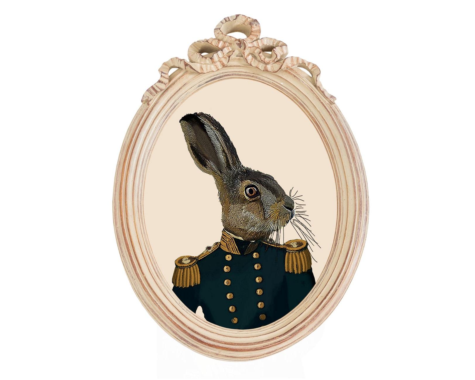 Репродукция гравюры «Мистер Заяц» в раме «Бернадетт»Картины<br>Возможно, Кролик из «Алисы в стране чудес» выглядел именно так. Тем забавнее заячья мордашка выглядит в парадном военном мундире с золочеными пуговицами и эполетами. Изображение в технике гравюры отпечатано на холсте и обрамлено в винтажный багет-медальон «Бернадетт». Такое украшение подойдет практически для любой комнаты: гостиной, столовой, кабинета и, конечно, детской, оформленных в стиле прованс, классика, французский шик и даже эксцентричный поп-арт.<br><br>Material: Полистоун<br>Width см: 30,5<br>Depth см: 4,3<br>Height см: 43