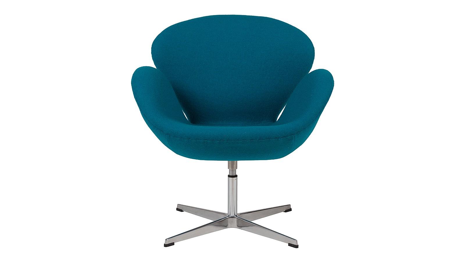 Кресло Swan ChairИнтерьерные кресла<br>&amp;lt;span style=&amp;quot;line-height: 24.9999px;&amp;quot;&amp;gt;Знаменитое кресло от знаменитого дизайнера Арне Якобсена получило мировое признание, превратившись в икону стиля. Датчанин в этой своей работе стремился следовать принципам создания скульптуры, многократно перекраивая размеры и формы предмета. Бренд DG Home добавил легенде больше домашнего уюта, облачив образ в&amp;amp;nbsp;&amp;lt;/span&amp;gt;&amp;lt;span style=&amp;quot;line-height: 24.9999px;&amp;quot;&amp;gt;обивку из голубой шерсти.&amp;lt;/span&amp;gt;<br><br>Material: Шерсть<br>Width см: 70<br>Depth см: 71<br>Height см: 78