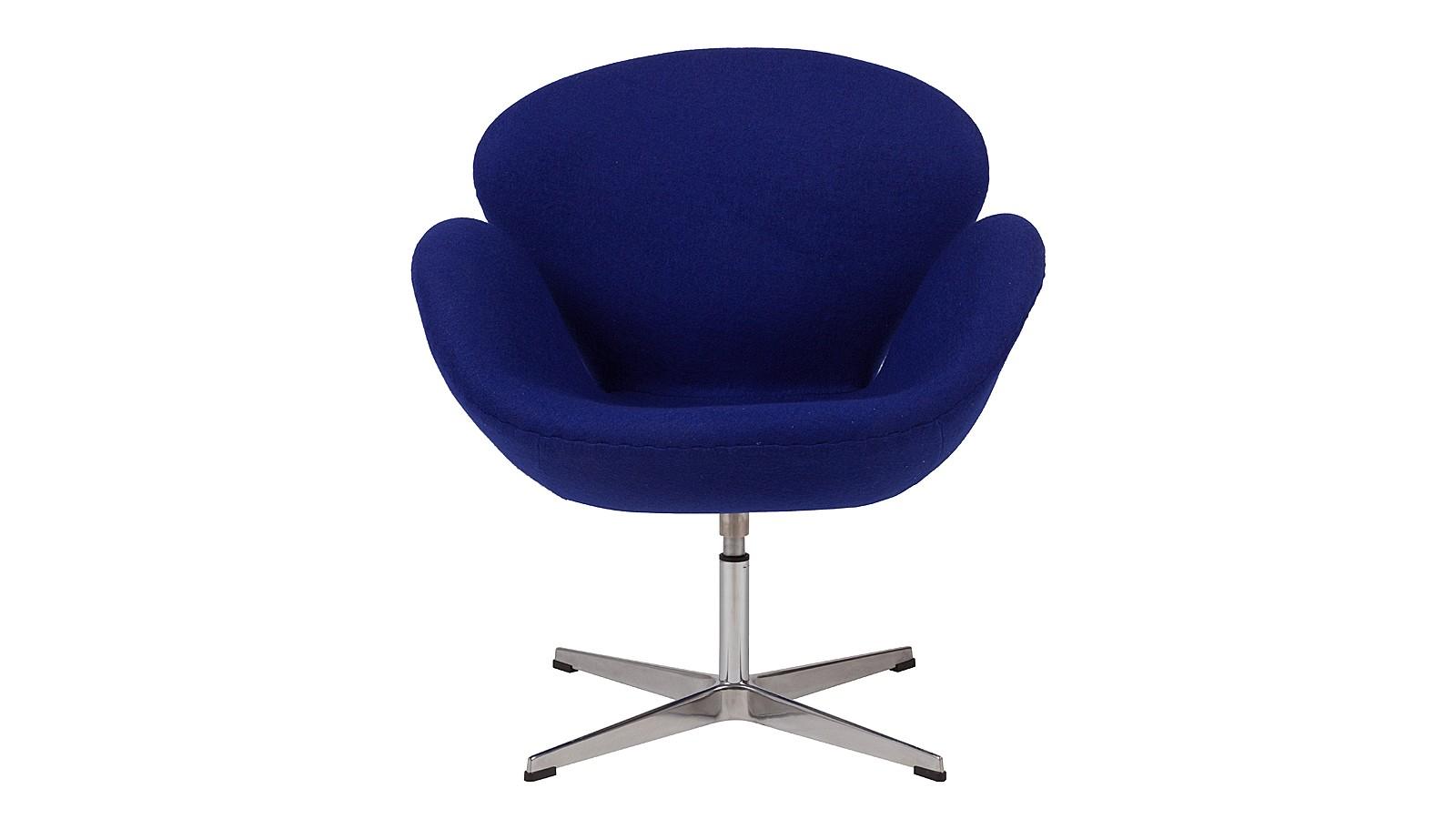 Кресло Swan ChairИнтерьерные кресла<br>Легенды рождают легенды. Известный датский дизайнер Арне Якобсен стремился создать совершенное по форме кресло, не жалея сил и времени на работу. Так родилось образцовое кресло&amp;amp;nbsp;&amp;quot;Swan&amp;quot;, которое может существовать в любом интерьере: холле отеля или в небольшой гостиной. Плавные и обтекаемые формы позволят почувствовать себя комфортно и непринужденно.<br><br>Material: Шерсть<br>Width см: 70<br>Depth см: 71<br>Height см: 78