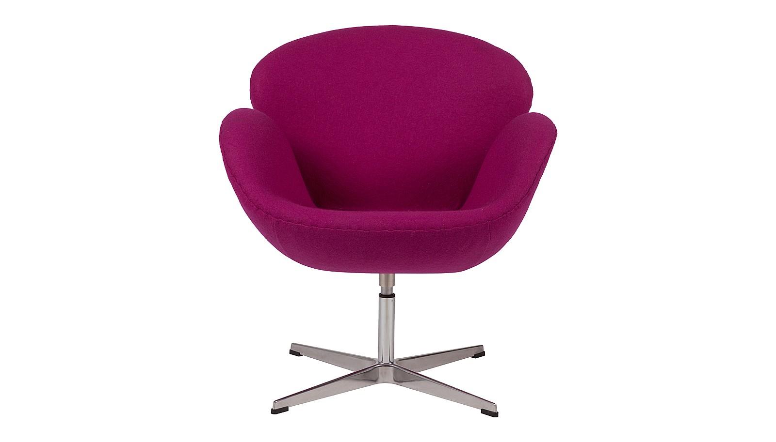 Кресло Swan ChairИнтерьерные кресла<br>&amp;lt;span style=&amp;quot;line-height: 24.9999px;&amp;quot;&amp;gt;Фиолетовое кресло от дизайнера Арне Якобсена получило мировое признание, превратившись в икону стиля. Создавая его, датчанин стремился передать скульптурные мотивы, многократно перекраивая размеры и формы предмета. Бренд DG Home добавил легенде каплю домашнего уюта, &amp;quot;обернув&amp;quot; его в чехол из натуральной шерсти.&amp;lt;/span&amp;gt;<br><br>Material: Шерсть<br>Width см: 70<br>Depth см: 71<br>Height см: 78