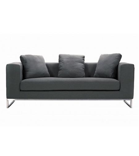 Диван DadoneТрехместные диваны<br>&amp;lt;p class=&amp;quot;MsoNormal&amp;quot;&amp;gt;Удобный диван для комнаты в современном городском стиле:<br>лофт, минимализм, хай-тек. Основание, оно же ножки, изготовлено в виде прочной<br>стальной рамы. Обивкой служит нежный кашемир, который своей мягкостью и уютом<br>словно компенсирует строгую геометрию форм.&amp;lt;o:p&amp;gt;&amp;lt;/o:p&amp;gt;&amp;lt;/p&amp;gt;<br><br>Material: Кашемир<br>Width см: 184<br>Depth см: 70<br>Height см: 68