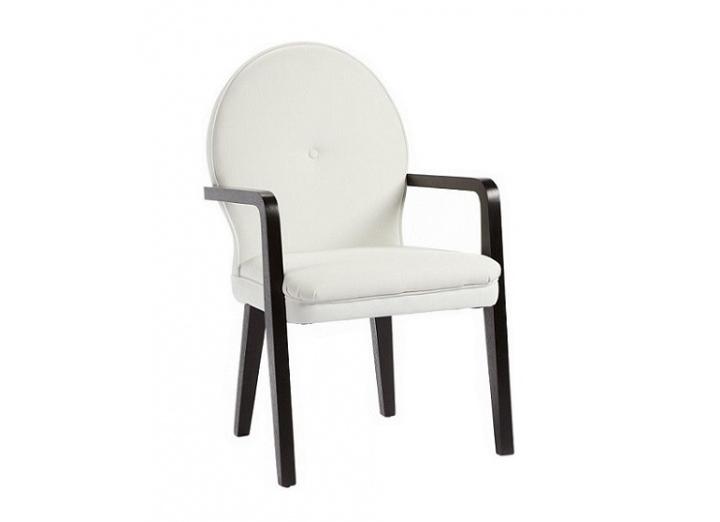 Кресло LouiseИнтерьерные кресла<br>Это кресло выглядит достаточно современно и в то же время напоминает старинные будуарные стулья. Каркас и ножки выточены из цельного массива, на сиденье – съемная подушка с наполнителем из полиуретана, а обивкой служит практичная плотная ткань. На спинке обивка закреплена мебельными гвоздями с крупными шляпками. В качестве финального штриха – обтяжная пуговица прямо по центру овальной спинки.<br><br>Material: Кожа<br>Width см: 58<br>Depth см: 65<br>Height см: 97