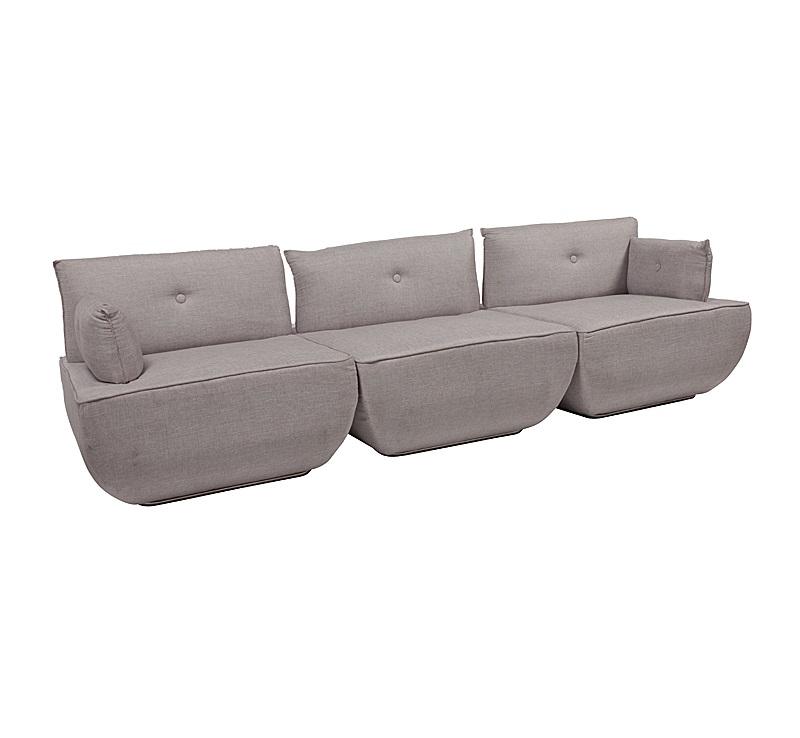 Диван Dunder SofaТрехместные диваны<br>Идея дивана Dunder Sofa, как признавались его создатели, – «подушка из подушек». Эта неординарная мебель-конструктор состоит из трех объемных пуфов. Каждый из них помещен на основание из хромированного металла, а внутри имеет прочный пружинный каркас и мягкую прослойку из полиуретана.<br><br>Material: Текстиль<br>Ширина см: 204<br>Высота см: 74<br>Глубина см: 85