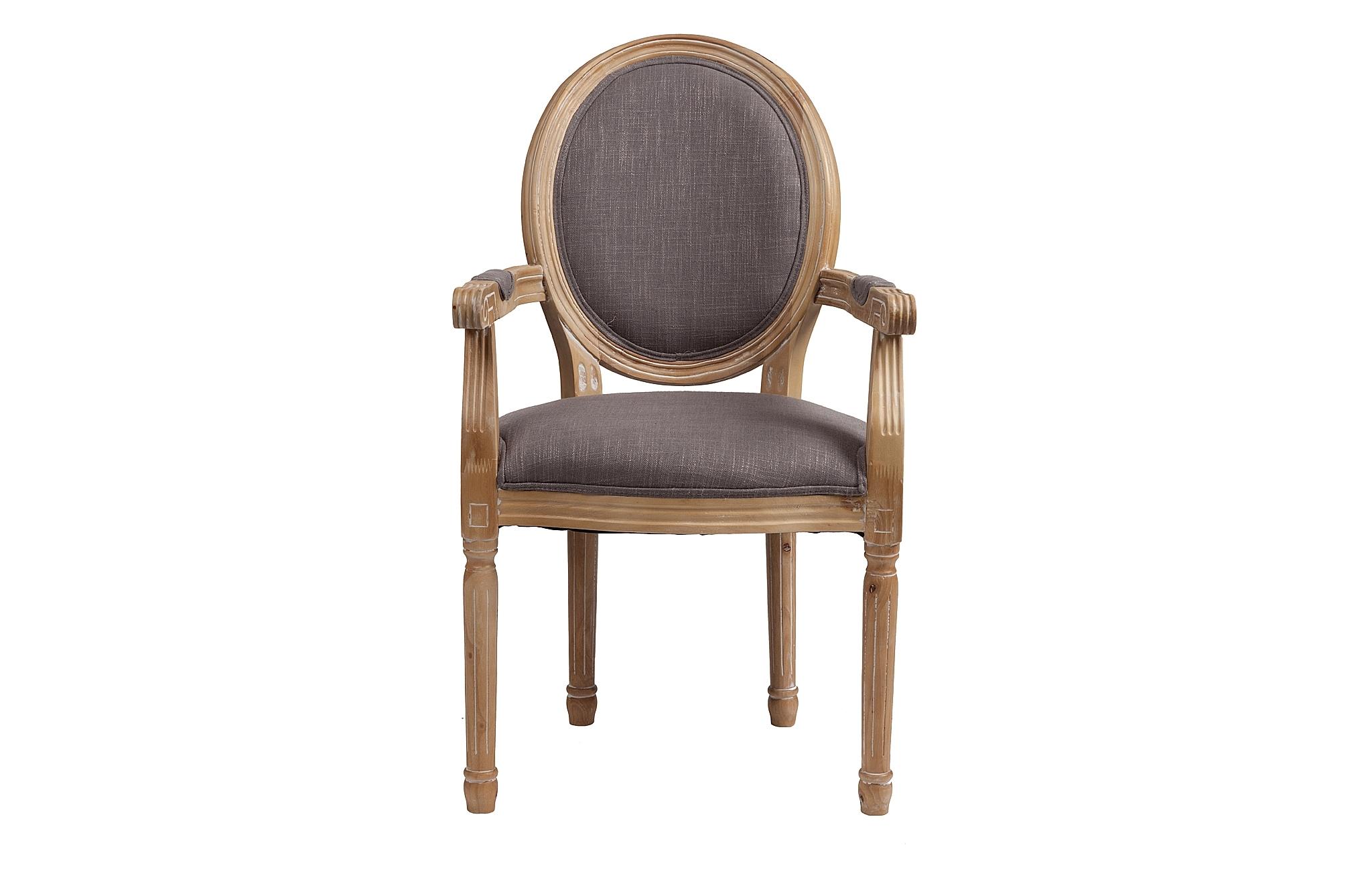 Кресло PollinaСтулья с подлокотниками<br>&amp;quot;Pollina&amp;quot; ? кресло в стиле французского двора, которое придется по вкусу ценителям сдержанной роскоши и изящества. Его силуэт, вошедший в моду еще при Людовике XVI, основывается на плавных формах округлой спинки. Именно благодаря последней оно также известно как кресло-медальон. В исполнении из натурального бука естественного оттенка классические пропорции выглядят особенно благородно. Хлопковая обивка нейтральной серой палитры выступает прекрасным завершением скромного образа, в своей строгости скрывающего истинный королевский шик.<br><br>Material: Хлопок<br>Length см: 55<br>Width см: 60<br>Height см: 96