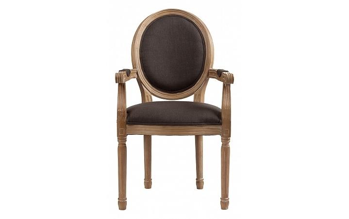 Кресло PollinaИнтерьерные кресла<br>Изящные, узнаваемые пропорции медальонного кресла, популярного на протяжении трех последних веков, превосходно воплощены в оформлении&amp;amp;nbsp;&amp;quot;Pollina&amp;quot;. Основанные на плавных линиях, они рождают классический силуэт, полный аристократичного благородства. Красота натурального бука, обработанного особым образом для выделения великолепной фактуры материала, усиливает очарование грациозных форм. Мягкая обивка цвета шоколада отлично сочетается с каркасом, создавая роскошный, удивительно гармоничный образ во французском стиле.<br><br>Material: Хлопок<br>Length см: 55<br>Width см: 60<br>Height см: 96