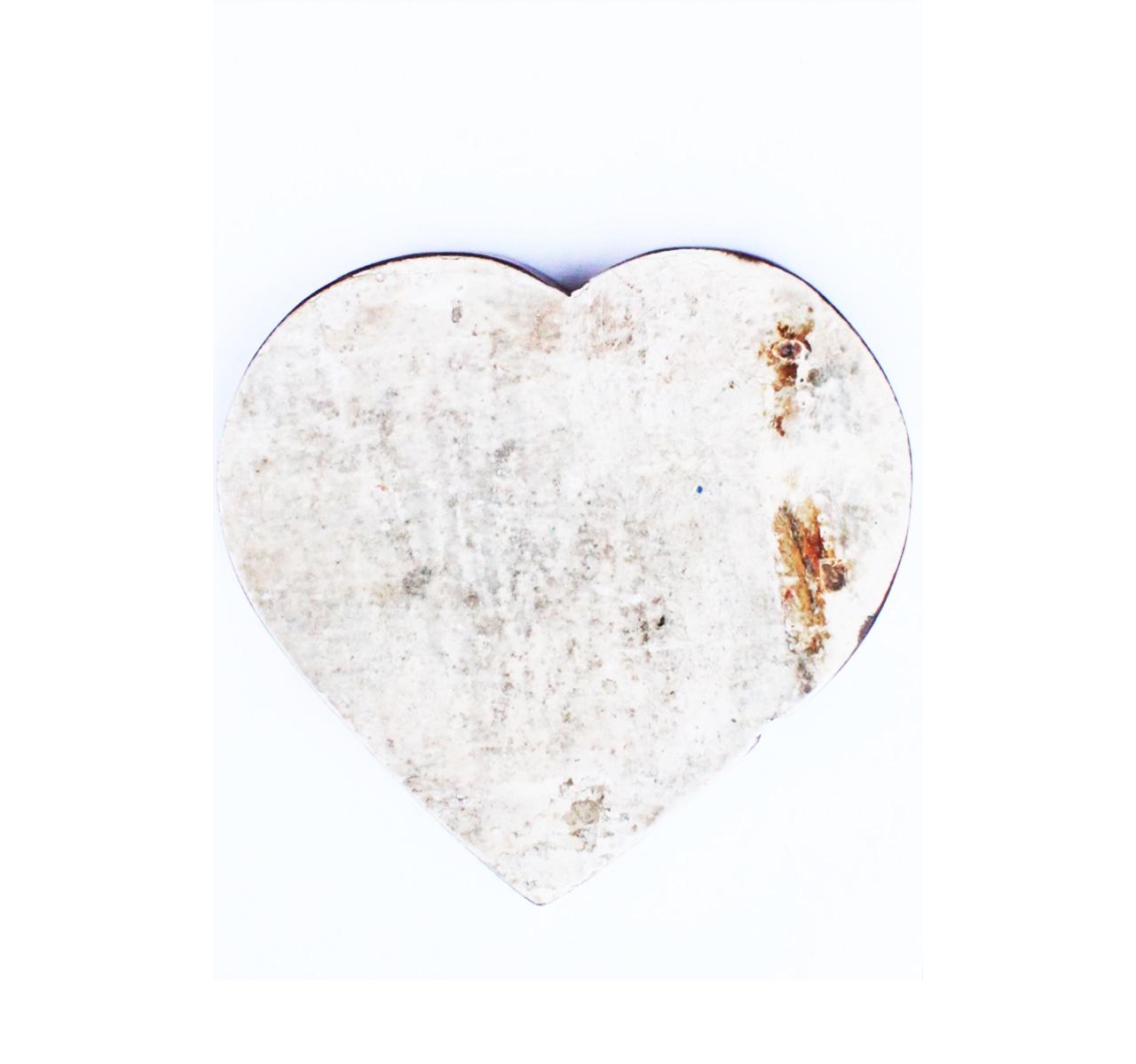 Сердце ЛюбовьДругое<br>&amp;lt;div&amp;gt;Бренд Like Lodka проповедует философию эко-дизайна, более чем актуальную во всем мире. Их мебель и предметы декора создаются в результате вторичной переработки изделий из дерева. Это не только натуральные, экологичные и стильные вещи, это вещи с историей, в которых винтаж перекликается с этно-мотивами.&amp;lt;br&amp;gt;&amp;lt;/div&amp;gt;&amp;lt;div&amp;gt;&amp;lt;br&amp;gt;&amp;lt;/div&amp;gt;Сердце выполненное из фрагмента настоящего рыболовецкого судна, возраст которого 20-50 лет.<br><br>Material: Тик<br>Length см: 18<br>Depth см: 3<br>Height см: 20