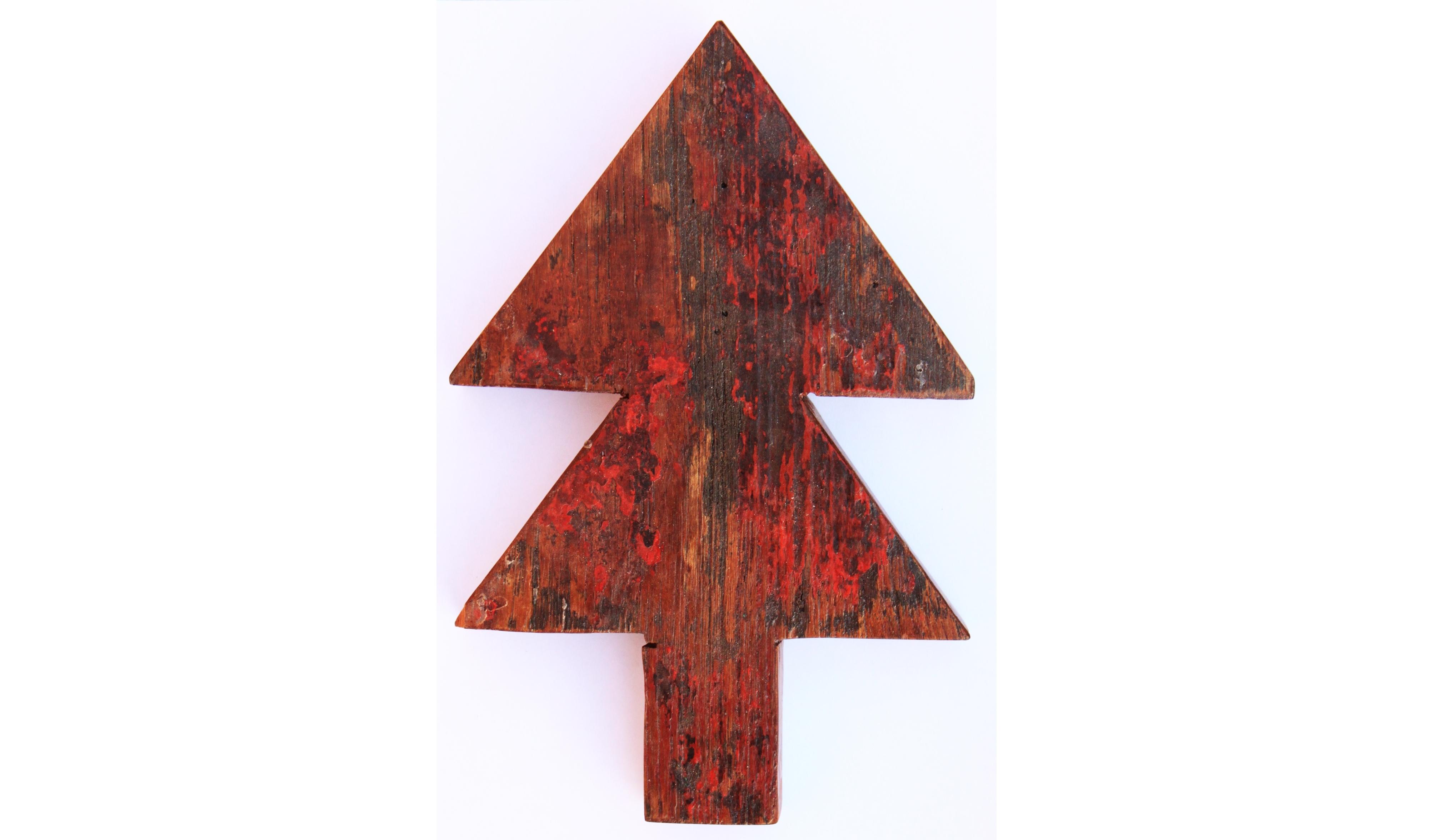 ЁлкаДругое<br>&amp;lt;div&amp;gt;Ставить на Новый Год обычную елку и из года в год украшать ее теми же игрушками – скучно и банально. Гораздо интересней создать на своей стене композицию из деревянных фигур в форме елок, звезд, сердец и обезьяньих мордочек, которые предлагает в этом сезоне молодой, но уже нашумевший бренд Like Lodka. Дополните композицию светящейся гирляндой – и праздничное настроение обеспечено.&amp;lt;br&amp;gt;&amp;lt;/div&amp;gt;&amp;lt;div&amp;gt;&amp;lt;br&amp;gt;&amp;lt;/div&amp;gt;Ёлка выполнена из фрагмента настоящего рыболовецкого судна, возраст которого 20-50 лет.<br><br>Material: Тик<br>Width см: 18<br>Depth см: 3<br>Height см: 27