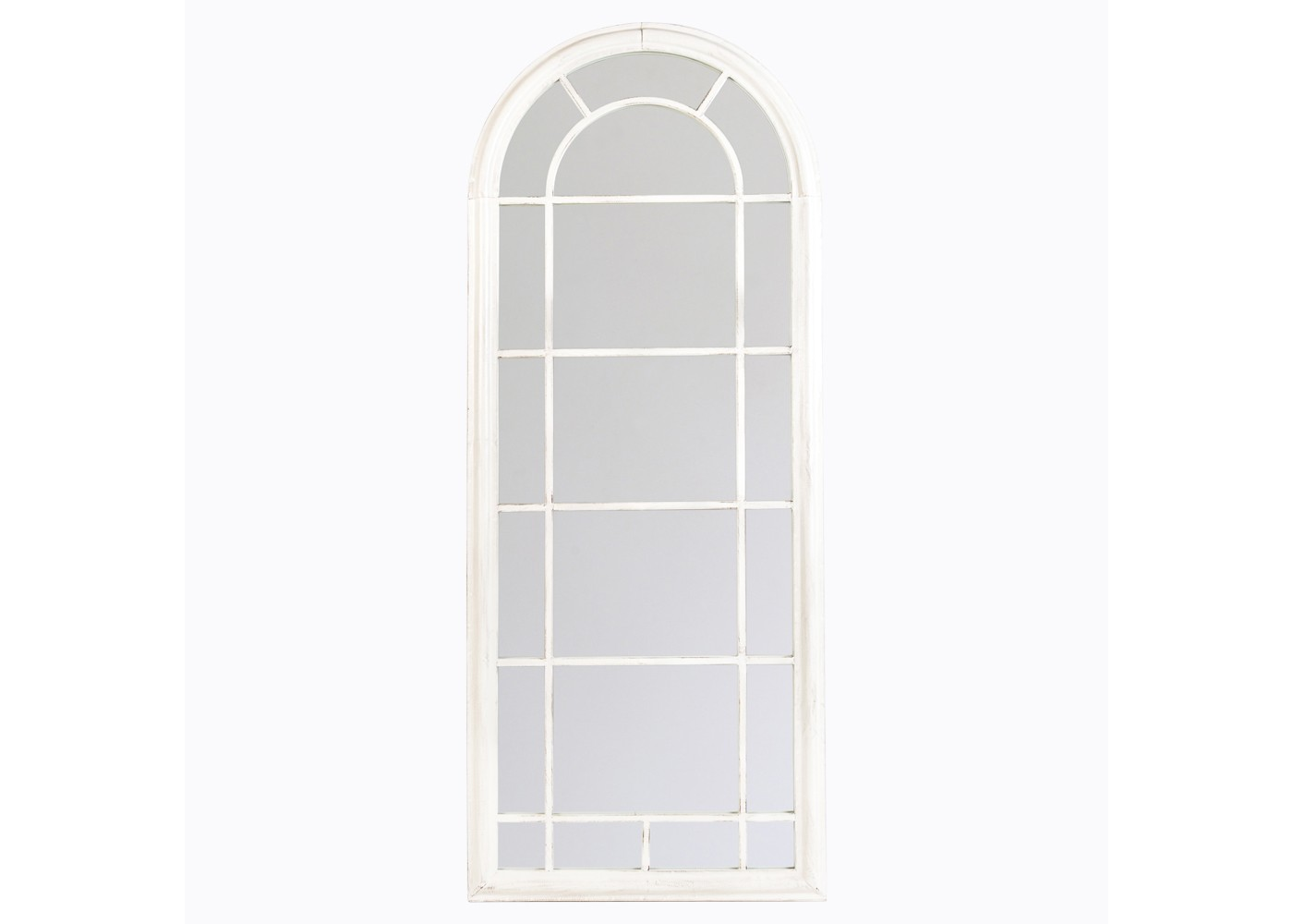 Настенное зеркало «Шайо» (белый антик)Настенные зеркала<br>Светлые тона, плавность симметричных форм и утонченность лаконичной отделки ? детали, рождающие изысканный дизайн &amp;quot;Шайо&amp;quot;. Они придают арочному зеркалу имидж парадности, смешанной с романтизмом и нежностью. Белый цвет превращает металлическую оправу в деликатный акцент, подчеркивающий аккуратность и аристократичность пространства. Визуально расширяя его границы и увеличивая высоту потолков, классическое зеркало служит не только украшением для интерьера, но и предметом, способным менять архитектуру помещения.&amp;lt;div&amp;gt;&amp;lt;br&amp;gt;&amp;lt;/div&amp;gt;&amp;lt;div&amp;gt;Размер: 60?150?4 см.&amp;lt;/div&amp;gt;<br><br>Material: Металл<br>Width см: 60<br>Depth см: 4<br>Height см: 150