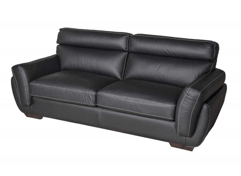 Прямой диван-кровать GramКожаные диваны<br>Диван который по своей функциональности, удобности и дизайну удовлетворит вкусы любого клиента. Выбор желаемых композиционных элементов позволяет покупателю разместить мебель в соответствии со своим рабочим местом или жилым помещением. Мы предлагаем высокоэластичный поролон, который по своему качеству не уступает перьевому наполнению. Современный облик гарнитура выполнен из нержавеющих элементов. Трехместные диваны превращается в удобную кровать.<br><br>Material: Кожа<br>Length см: 210<br>Width см: 98<br>Height см: 88