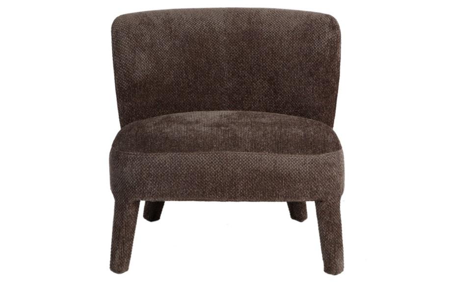 Кресло ELRAИнтерьерные кресла<br>Миниатюрное кресло станет отличным дополнением детской комнаты, будуара или гардеробной. Аккуратные пропорции классического силуэта будут гармонично смотреться в таких пространствах. Глубокая гамма благородной коричневой обивки поделится своим благородством с окружающим интерьером. Перфорация на всей ее поверхности добавит частицу современного шарма винтажному дизайну.<br><br>Material: Текстиль<br>Length см: None<br>Width см: 72<br>Depth см: 71<br>Height см: 70