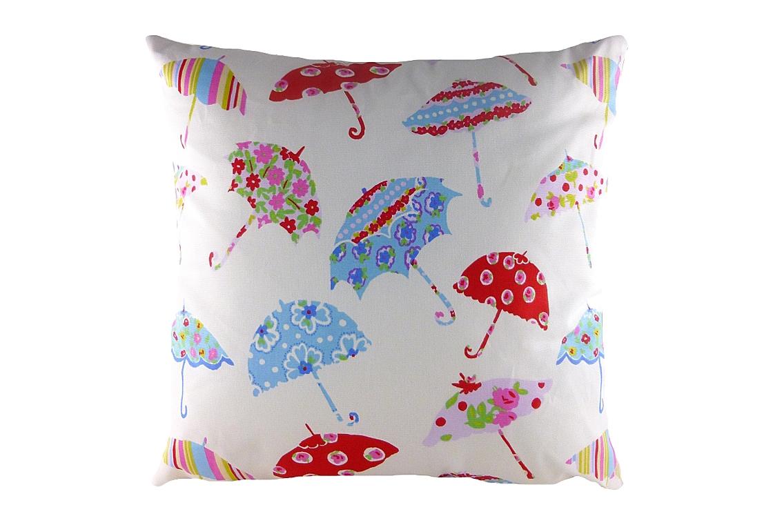 Подушка с принтом Brollies MultiКвадратные подушки и наволочки<br>Небольшая квадратная подушка, покрыта белой хлопковой тканью, декорирована разноцветными весёлыми зонтиками. Привет от Мэри Поппинс! Подушка может выступать в качестве обязательного предмета в спальной комнате или отлично дополнит детскую ребенка. Но и сама по себе такая подушка — замечательный подарок!<br><br>Material: Хлопок<br>Width см: 43<br>Depth см: 10<br>Height см: 43