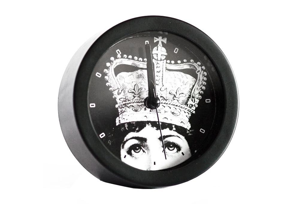 Будильник с портретом Лины Пьеро Форназетти CrownНастольные часы<br><br><br>Material: Пластик