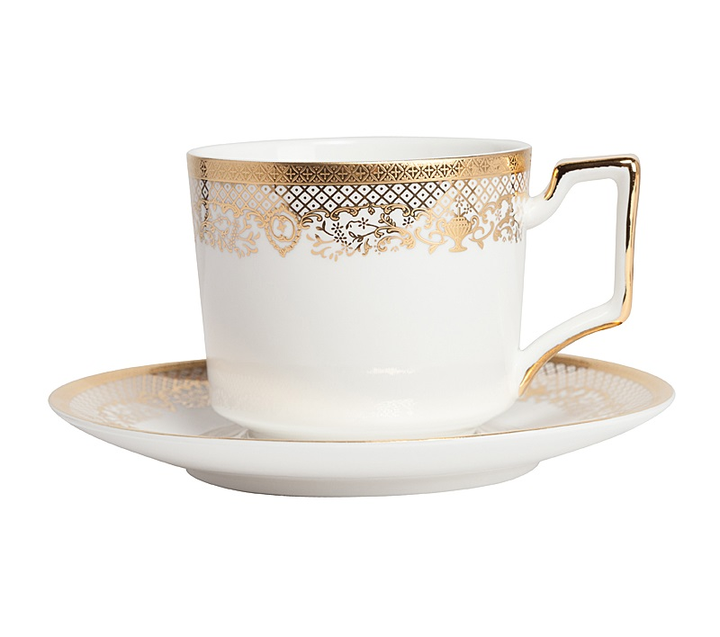 Чайная пара CelebrasЧайные пары, чашки и кружки<br>Элегантная чайная пара из белоснежного китайского фарфора с тонким золотым рисунком станет украшением любого чаепития, подарит ощущение вкуса и элегантности. Прекрасно подойдет для сервировки стола в любом стиле. Выбрав чайную пару Celebras, вы приобретете ежедневное наслаждение при чаепитии.<br><br>Material: Фарфор<br>Height см: 5.5<br>Diameter см: 9