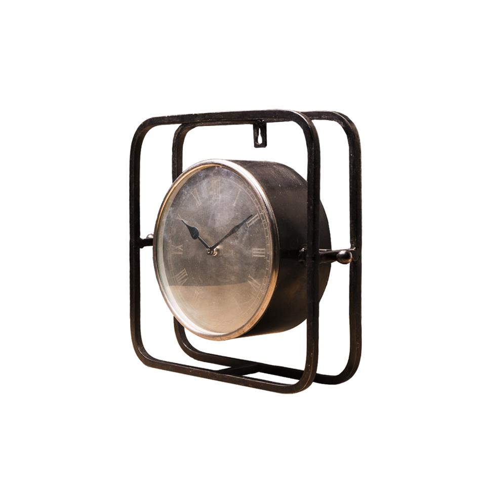 ЧасыНастольные часы<br><br><br>Material: Металл<br>Length см: 32<br>Depth см: 10<br>Height см: 31