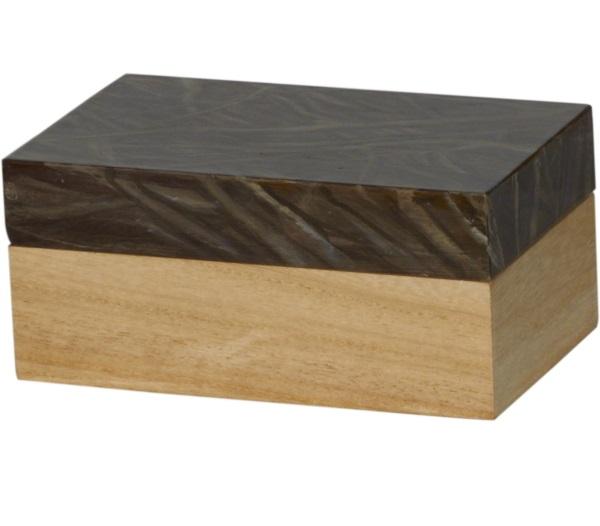 ШкатулкаШкатулки<br><br><br>Material: Дерево<br>Width см: 20<br>Depth см: 12<br>Height см: 9<br>Diameter см: None