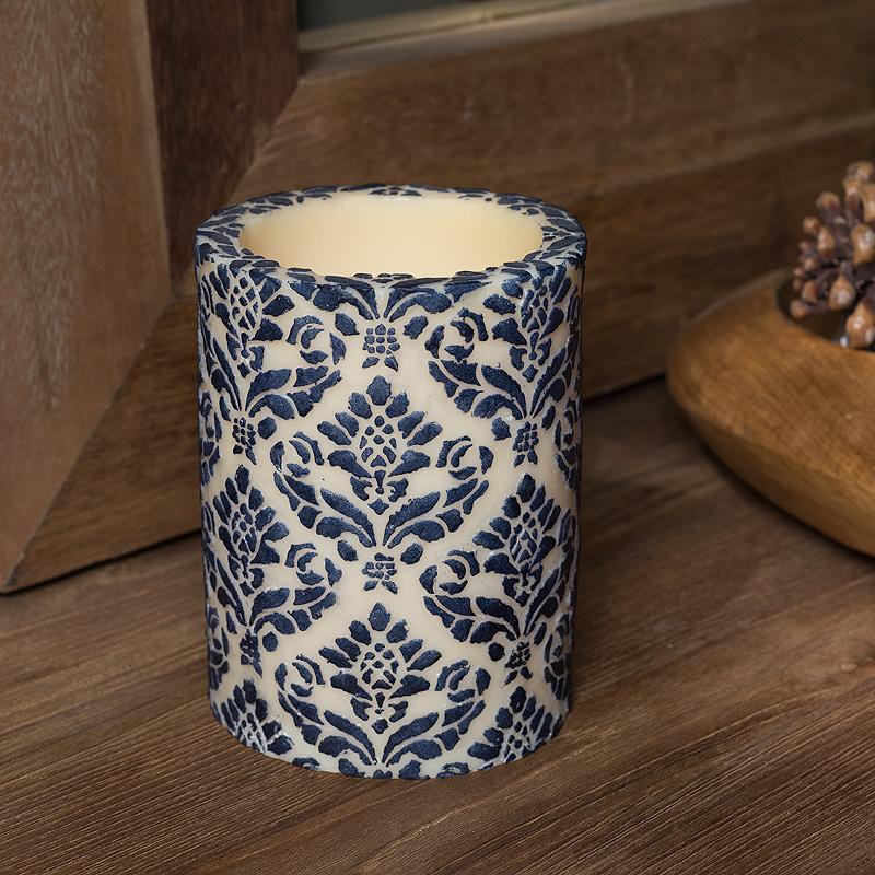 Свеча Damask PillarСвечи<br>Долгогорящая свеча из натурального воска, коллекция  Damask, аромат Cempaka Blossom. Время горения 120 часов.<br><br>Material: Воск<br>Height см: 15<br>Diameter см: 11,5