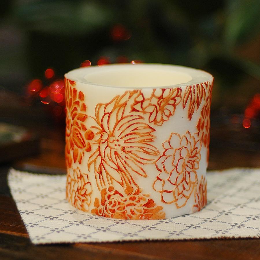 Свеча ChrysanthemumСвечи<br>Долгогорящая свеча из натурального воска, коллекция  Chrysanthemum, аромат Orange Freesia. Время горения 60 часов.<br><br>Material: Воск<br>Height см: 10<br>Diameter см: 11,5