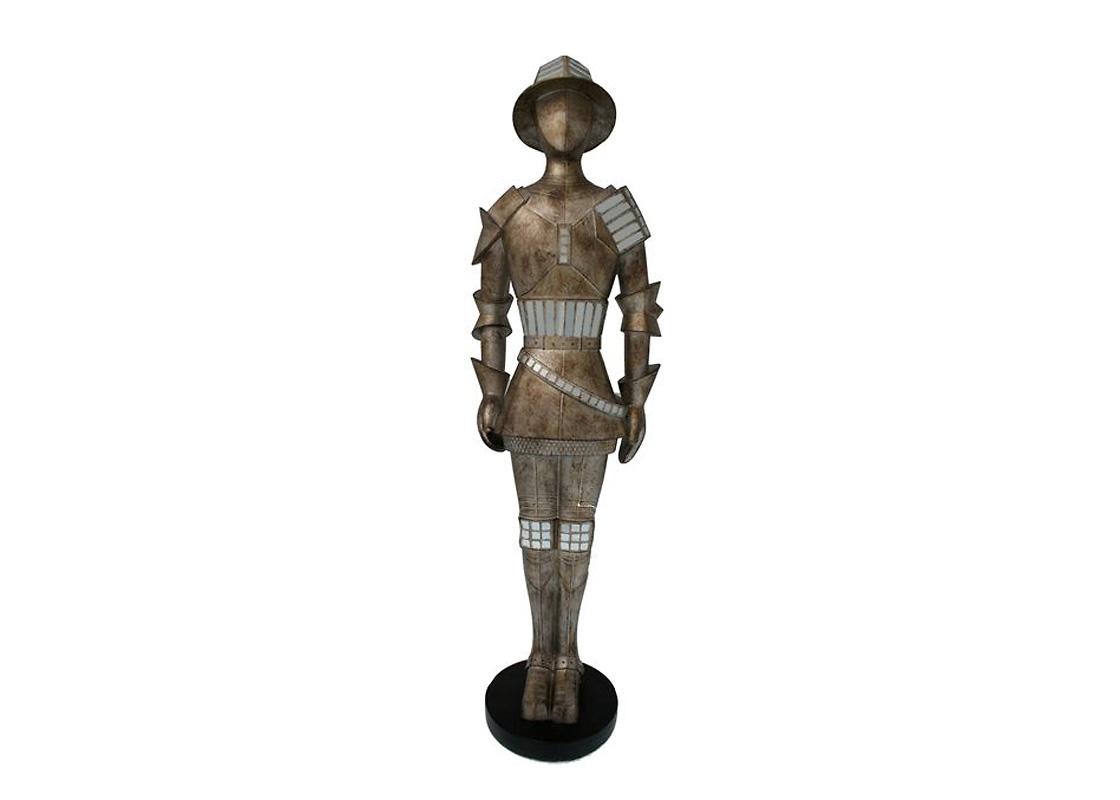СтатуэткаСтатуэтки<br>Статуэтка из коллекции Knight of Lancelot выполнена из состаренного серебра.<br><br>Material: Металл<br>Высота см: 80.0