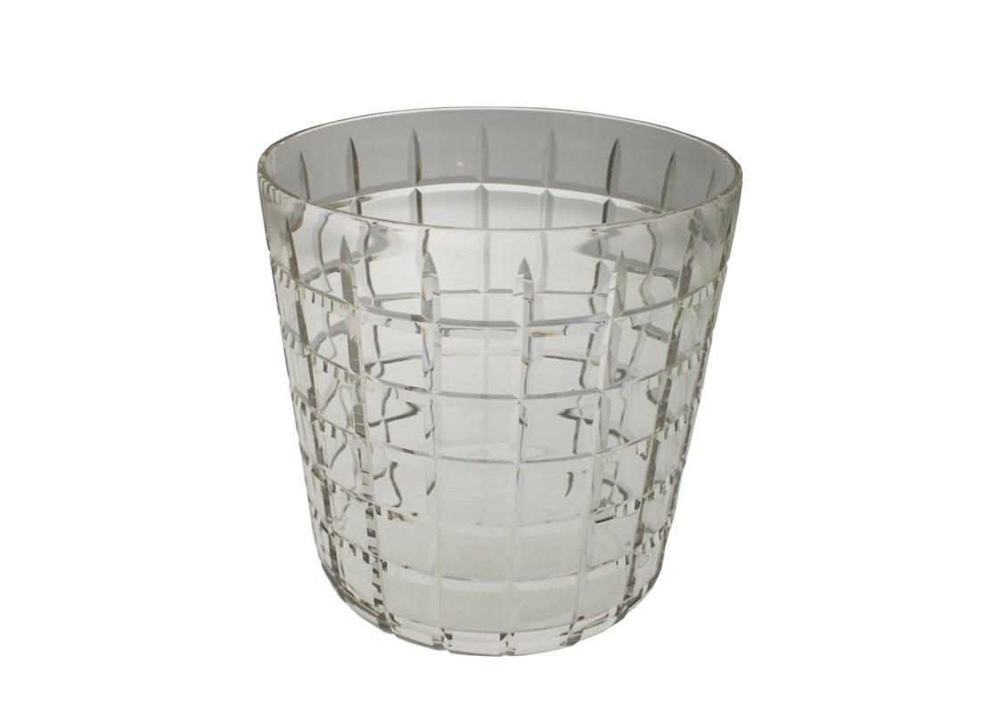 Ведро для льдаОтдельные предметы посуды<br>Ведро для льда из коллекции Celine выполнено из прозрачного стекла с орнаментом.<br><br>Material: Стекло<br>Width см: None<br>Depth см: None<br>Height см: 23<br>Diameter см: 23