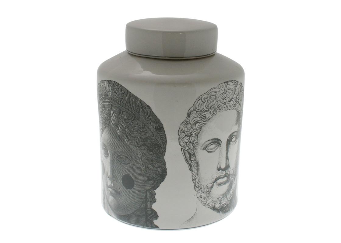 ВазаВазы<br>Ваза из коллекции Roman Faces выполнена из керамики белого цвета. Оригинальный рисунок.<br><br>Material: Керамика<br>Height см: 32<br>Diameter см: 24.5