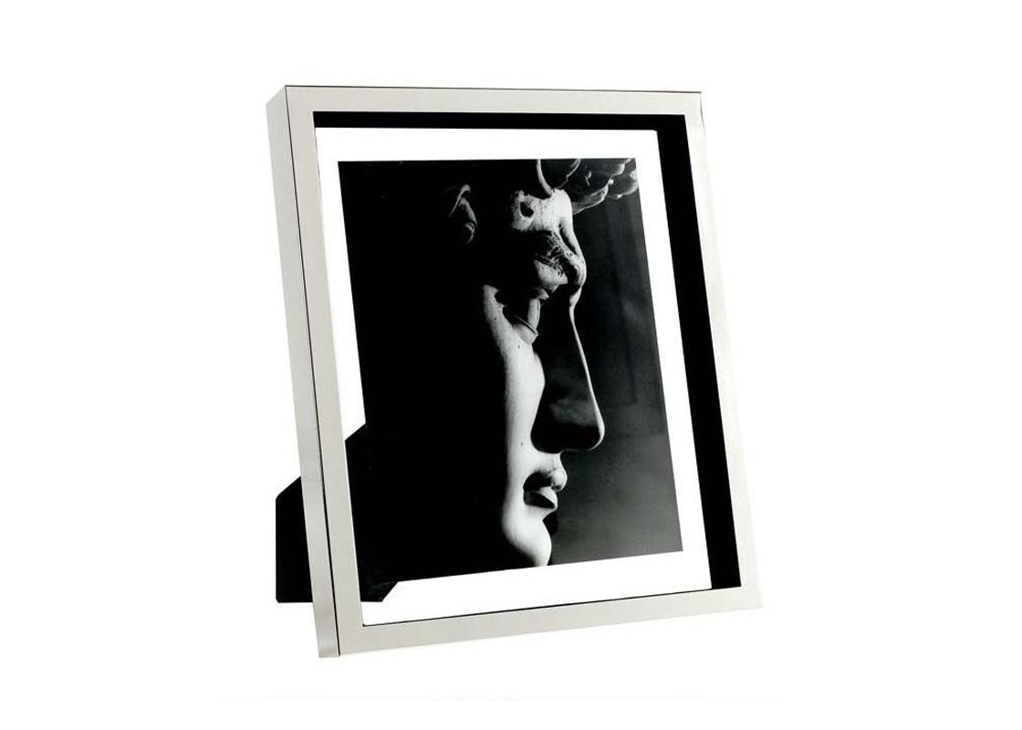 Рамка для фотографийРамки для фотографий<br>Фоторамка Mulholland Xl с никелированной рамкой и прозрачным стеклом.<br><br>Material: Металл<br>Width см: 28<br>Height см: 33