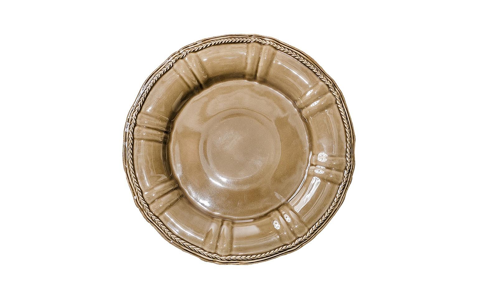 ТарелкаТарелки<br>Costa Nova (Португалия) – керамическая посуда из самого сердца Португалии. Керамическая посуда Costa Nova абсолютно устойчива к мытью, даже в посудомоечной машине, ее вполне можно использовать для замораживания продуктов и в микроволновой печи, при этом можно не бояться повредить эту великолепную глазурь и свежие краски. Такую посуду легко мыть, при ее очистке можно использовать металлические губки – и все это благодаря прочному глазурованному покрытию. Все серии посуды от Costa Nova отвечают международным стандартам качества. Керамическая посуда от Costa Nova не содержит такие вещества, как свинец и кадмий.<br><br>Material: Керамика<br>Diameter см: 33