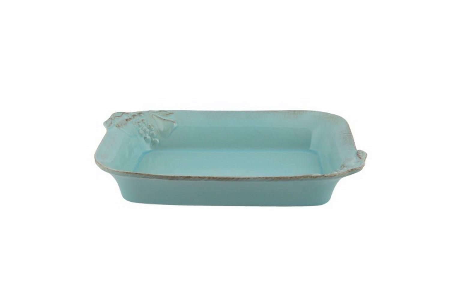 Блюдо для запекания прямоугольноеДекоративные блюда<br>Costa Nova (Португалия) – керамическая посуда из самого сердца Португалии. Керамическая посуда Costa Nova абсолютно устойчива к мытью, даже в посудомоечной машине, ее вполне можно использовать для замораживания продуктов и в микроволновой печи, при этом можно не бояться повредить эту великолепную глазурь и свежие краски. Такую посуду легко мыть, при ее очистке можно использовать металлические губки – и все это благодаря прочному глазурованному покрытию. Все серии посуды от Costa Nova отвечают международным стандартам качества. Керамическая посуда от Costa Nova не содержит такие вещества, как свинец и кадмий.<br><br>Material: Керамика<br>Width см: 38