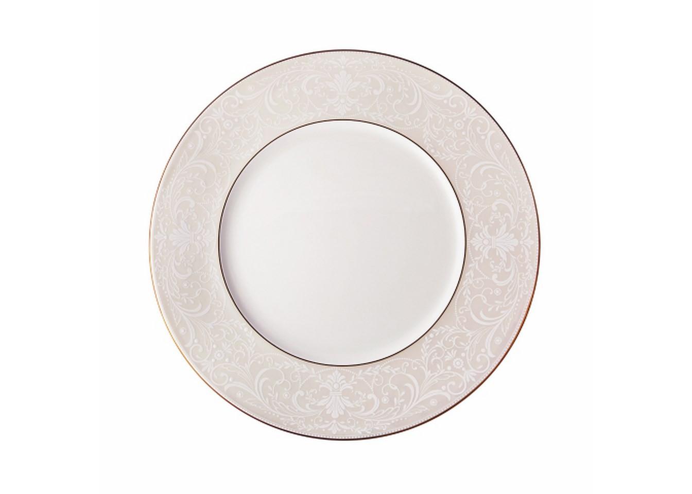 Тарелка обеденнаяТарелки<br>MIKASA по праву считается одним из мировых лидеров по производству столовой посуды из фарфора и керамики. Сегодня бренд сотрудничает со многими известными дизайнерами, работающими для лучших фабрик мира, и использует самые передовые технологии в производстве посуды. Все продукты бренда  MIKASA безупречны с точки зрения дизайна и исполнения. Благодаря огромному стилистическому разнообразию каждый может выбрать для себя подходящую коллекцию.<br><br>Material: Керамика<br>Diameter см: 27