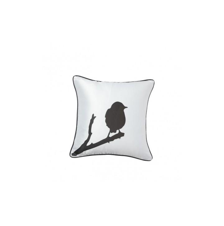 Подушка Lone BirdКвадратные подушки и наволочки<br>Белую подушку с контрастным черным изображением одинокой птички, сидящей на ветке, можно изящно разместить в гостиной в качестве яркого цветового пятна на однотонном диване или кресле. Подушка также будет отличным сувениром и оригинальным подарком.<br><br>Material: Хлопок<br>Ширина см: 43<br>Высота см: 43<br>Глубина см: 10