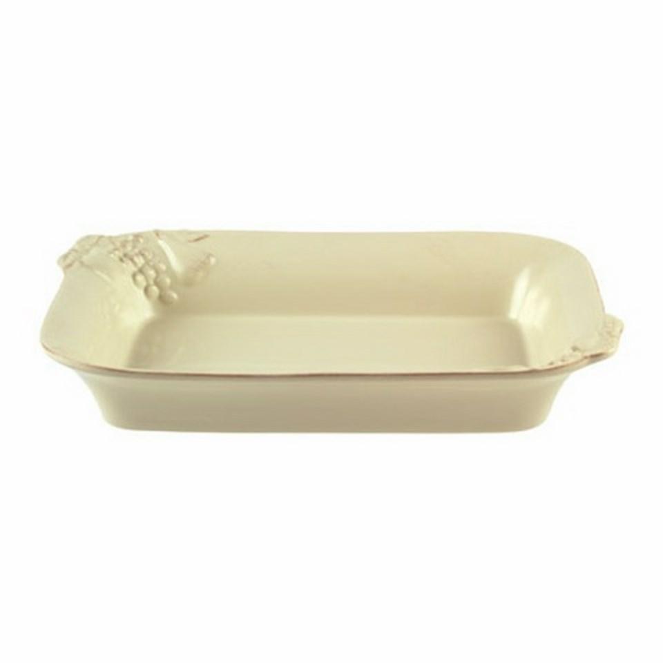 Блюдо для запекания прямоугольноеДекоративные блюда<br>Costa Nova (Португалия) – керамическая посуда из самого сердца Португалии. Она абсолютно устойчива к мытью, даже в посудомоечной машине, ее вполне можно использовать для замораживания продуктов и в микроволновой печи, при этом можно не бояться повредить эту великолепную глазурь и свежие краски. Такую посуду легко мыть, при ее очистке можно использовать металлические губки – и все это благодаря прочному глазурованному покрытию. Все серии посуды от Costa Nova отвечают международным стандартам качества. Керамическая посуда от Costa Nova не содержит такие вещества, как свинец и кадмий.<br><br>Material: Керамика<br>Width см: 38