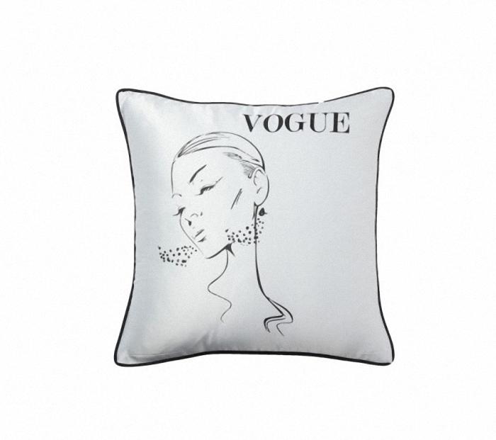 Подушка с надписьюКвадратные подушки и наволочки<br>Квадратная белая подушка, покрыта хлопковой тканью с надписью Vogue и воздушным изображением красивой девушки, с мягким наполнителем, отлично подойдет для отдыха, вполне уместна для подарка.<br><br>Material: Хлопок<br>Ширина см: 43<br>Высота см: 43<br>Глубина см: 10