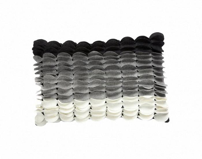 Подушка c узором Sweet Home MulticolourПрямоугольные подушки и наволочки<br>Подушка c узором Sweet Home Multicolour продолговатой формы, покрыта тканью в белом, светло-сером, сером и черном  цвете, с рельефным узором из вертикальных чешуек. Мягкий и упругий наполнитель хорошо поддерживает спину, помогает расслабиться и принять удобную позу, обеспечивает крепкий сон. Подушка также будет отличным сувениром и оригинальным подарком.<br><br>Material: Кашемир<br>Width см: 45<br>Depth см: 14<br>Height см: 30