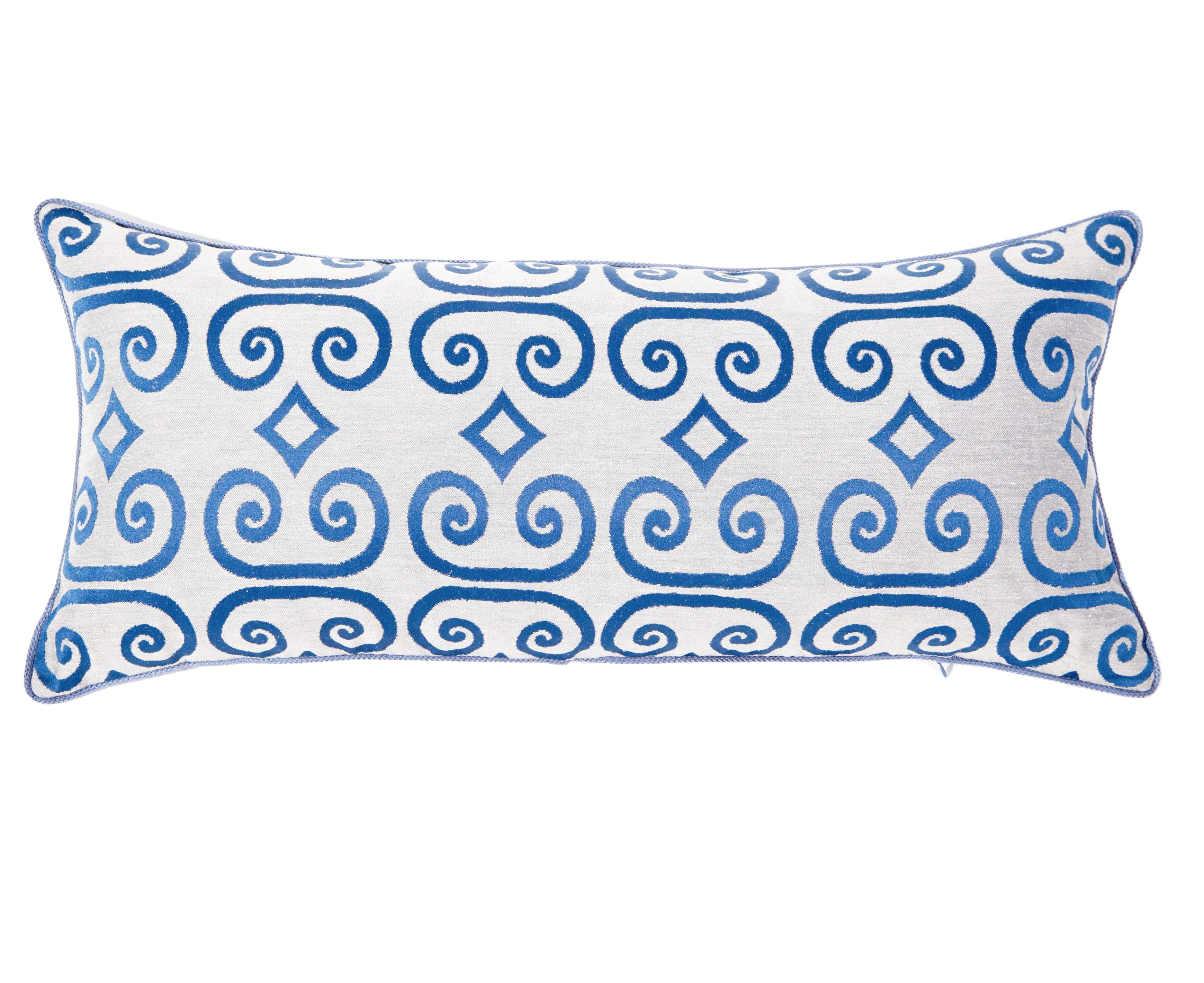 Подушка ЗавиткиПрямоугольные подушки и наволочки<br>Орнамент, украшающий вытянутую подушку, создан по мотивам древнерусской книжной миниатюры. На фоне из натурального льна изображены завитки и ромбы с форзаца старинной книги. Состав ткани: 51% лен, 49 % полиэфир. Наполнитель 100% холлофайбер<br><br>Material: Лен<br>Length см: 80.0<br>Width см: 35.0<br>Depth см: None<br>Height см: None<br>Diameter см: None