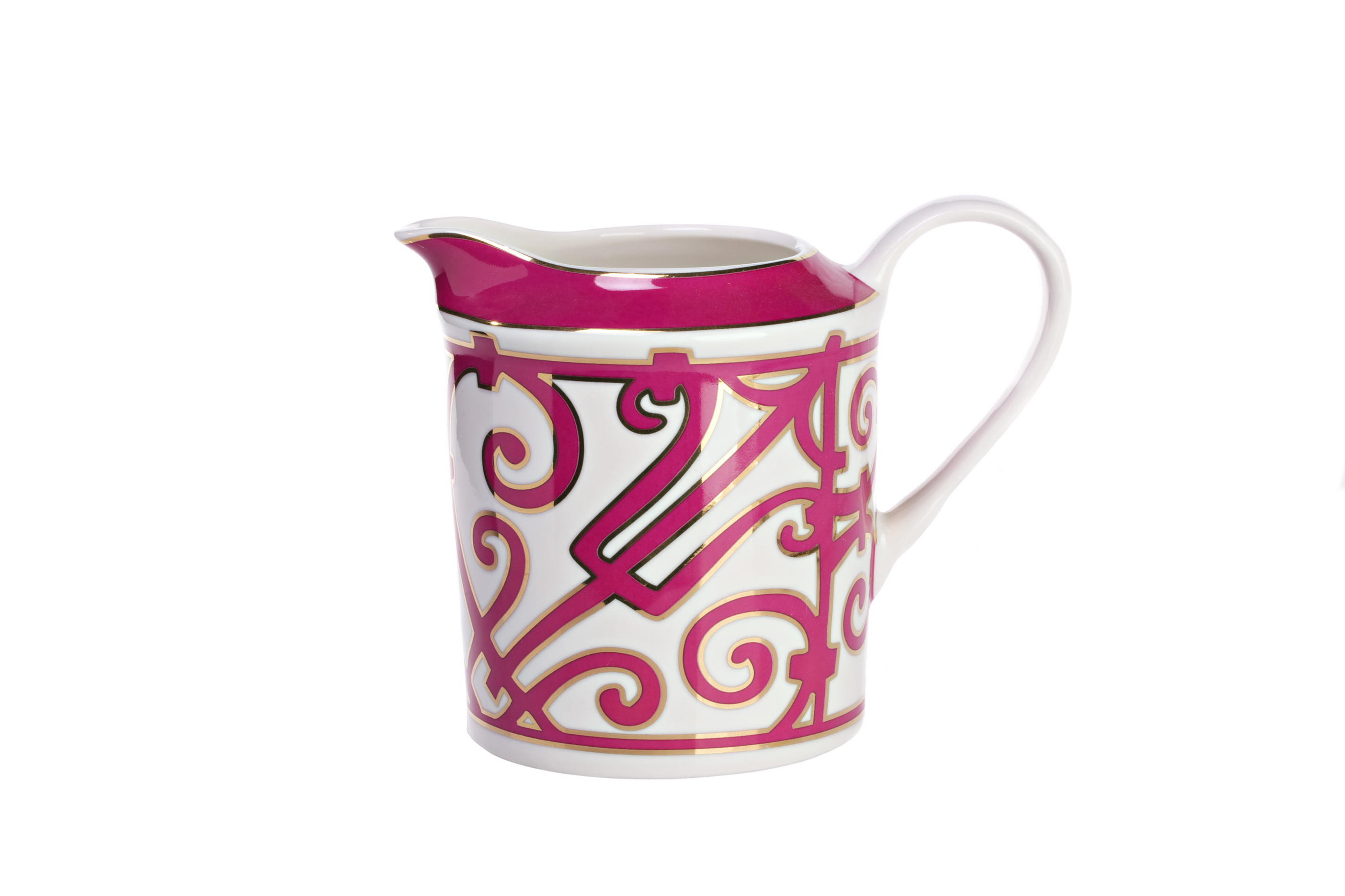 Молочник SiennaКофейники и молочники<br>Элегантный молочник из костяного фарфора коллекции «Sienna» создан для любителей классической чайной церемонии. Простая строгая форма изделия сочетается с замысловатым лиловым орнаментом в стиле модерн (moderne). Изящная ручка позволяет удобно удерживать молочник в руке, а носик сконструирован таким образом, чтобы не дать молоку пролиться. <br>Изделия данной серии придают сервировке особую тожественность и благородство. Идеальная белизна фарфора удачно контрастирует с насыщенной и яркой отделкой.<br>Вы можете приобрести молочник отдельно, а также в комплекте с другими предметами коллекции «Sienna».<br><br>Material: Фарфор<br>Width см: 12<br>Depth см: 9<br>Height см: 14