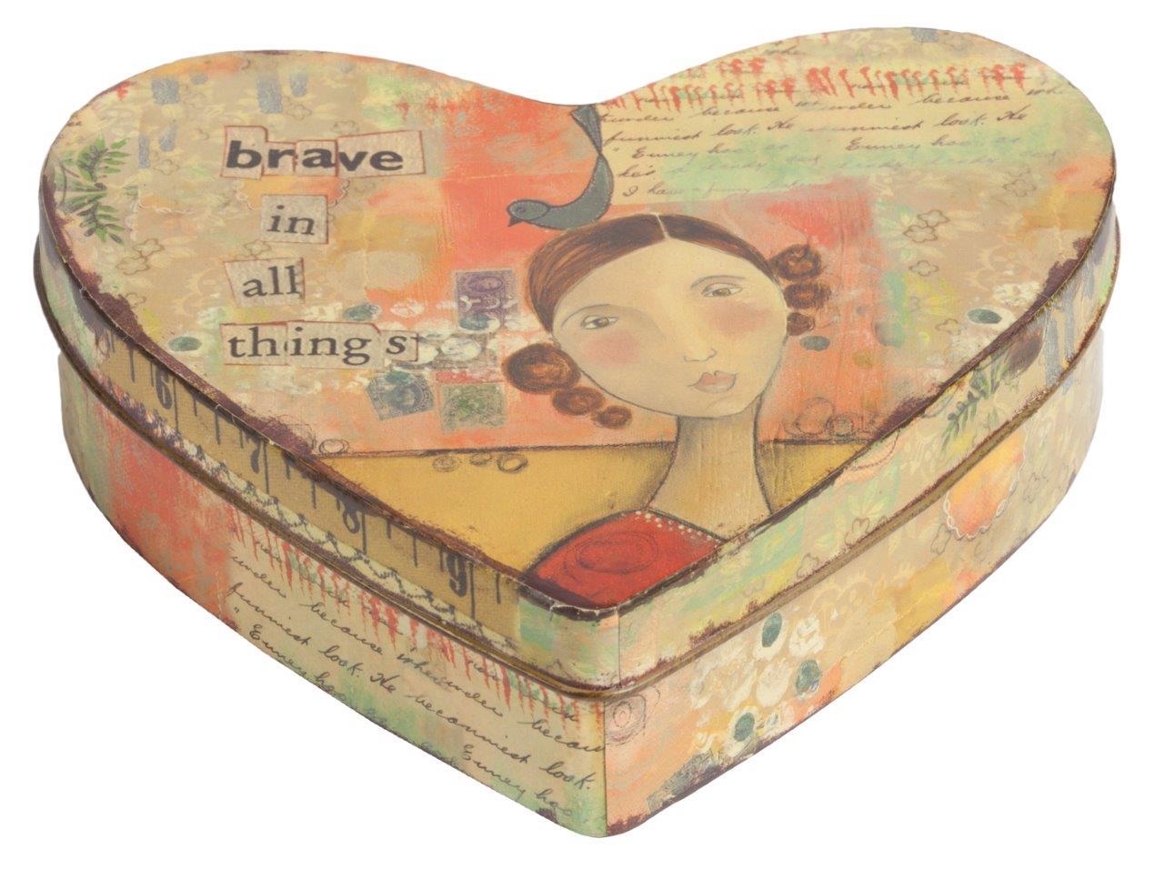 Декоративная коробка BraveКоробки<br>Декоративная коробка Brave — это симпатичный и весьма оригинальный элемент декора, выполненный в форме сердца строго в стиле Прованс — искусственно потертые края, специально состаренное олово, архаичные рисунки. Такая коробка пригодится вам для хранения как ценных вещей, так и милых безделушек. Аксессуар добавит вашему дому французского колорита и деревенского очарования.<br><br>Material: Металл<br>Width см: 16<br>Height см: 5
