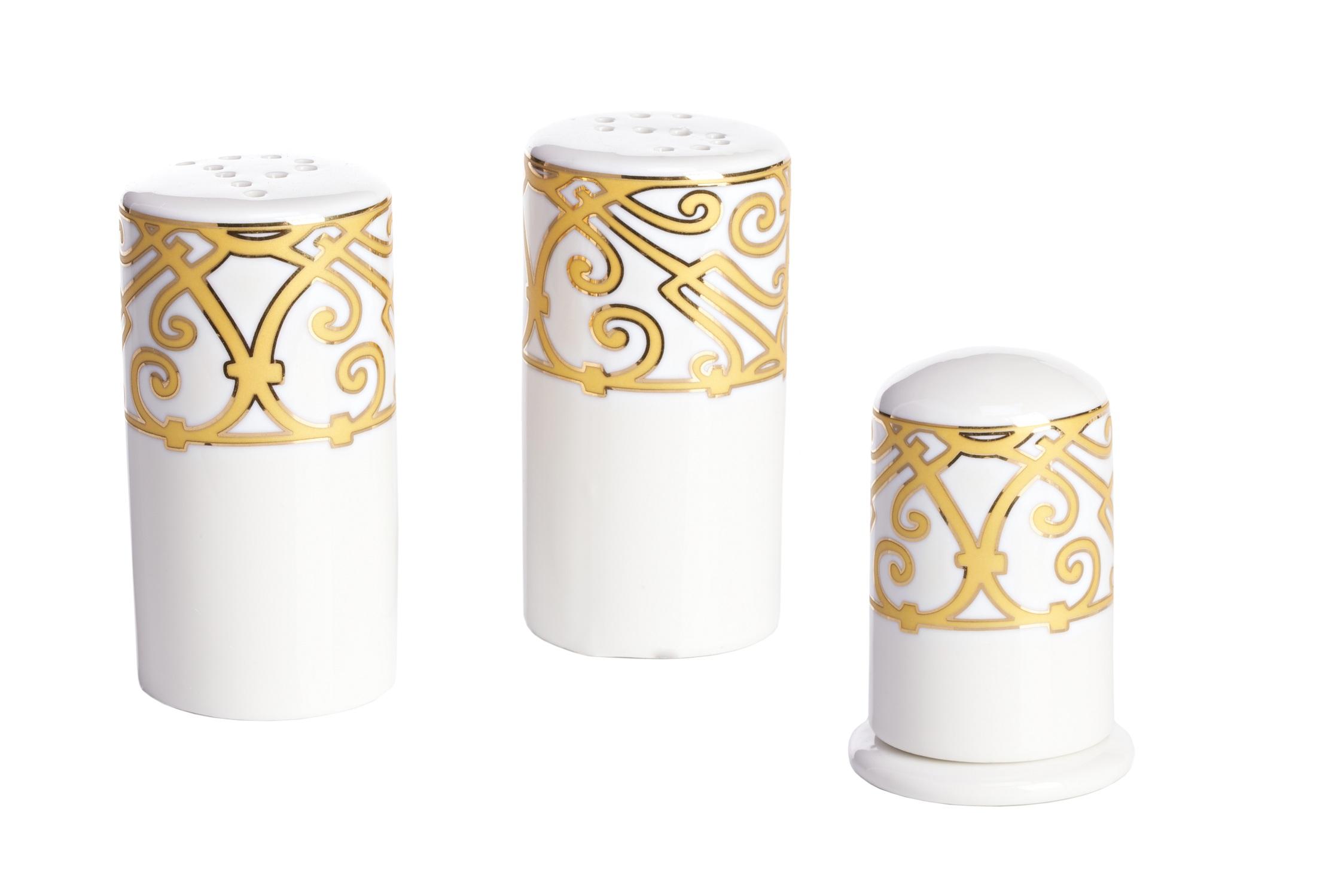 Набор для специй MarbellaЕмкости для хранения<br>Великолепный фарфоровый набор для специй коллекции «Marbella» может использоваться как самостоятельный предмет сервировки, а также в качестве превосходного дополнения к столовому сервизу. Идеальная белизна фарфора и золотистый орнамент в стиле модерн (moderne) придают набору нарядный и торжественный вид. Набор включает перечницу, солонку и емкость для зубочисток. Вы можете приобрести его отдельно, а также вместе с другими предметами коллекции «Marbella». Размеры: солонка и перечница - диаметр дна 4,5 см, высота 8,8 см, емкость для зубочисток - диаметр дна 5 см, высота 7,5 см.<br><br>Material: Фарфор<br>Width см: None<br>Height см: 9<br>Diameter см: 4.5